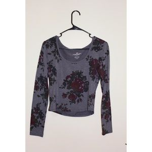 Fitted American Eagle long sleeve